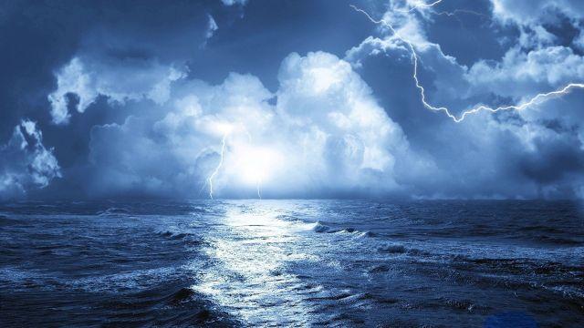 Storm at sea3